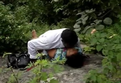 Lovers Caught Fucking Secretly Outdoor Mms